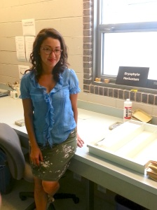 Kristina Lugo in the bryophyte lab at the FMNH (Aug 2012)