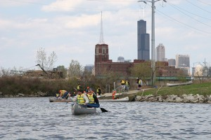 RU students canoe the South Branch of the Chicago River, May 2009