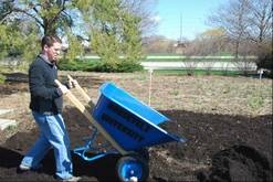 Shaun Keating in action on Soil Service Day, April 20th (photo: MaryBeth Radeck)