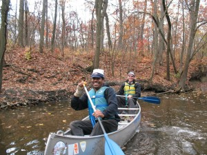 SUST majors Ron Taylor (front) and Ken Schmidt canoe the Upper North Branch in SUST 220 Water, Fall 2012 (photo: M. Bryson)