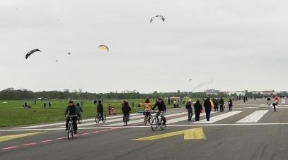 tempelhof-airport-park-16%255b2%255d
